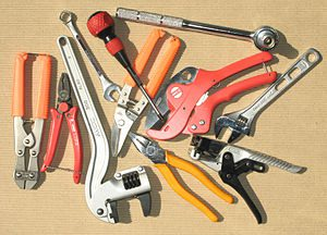 300px-hand_tools
