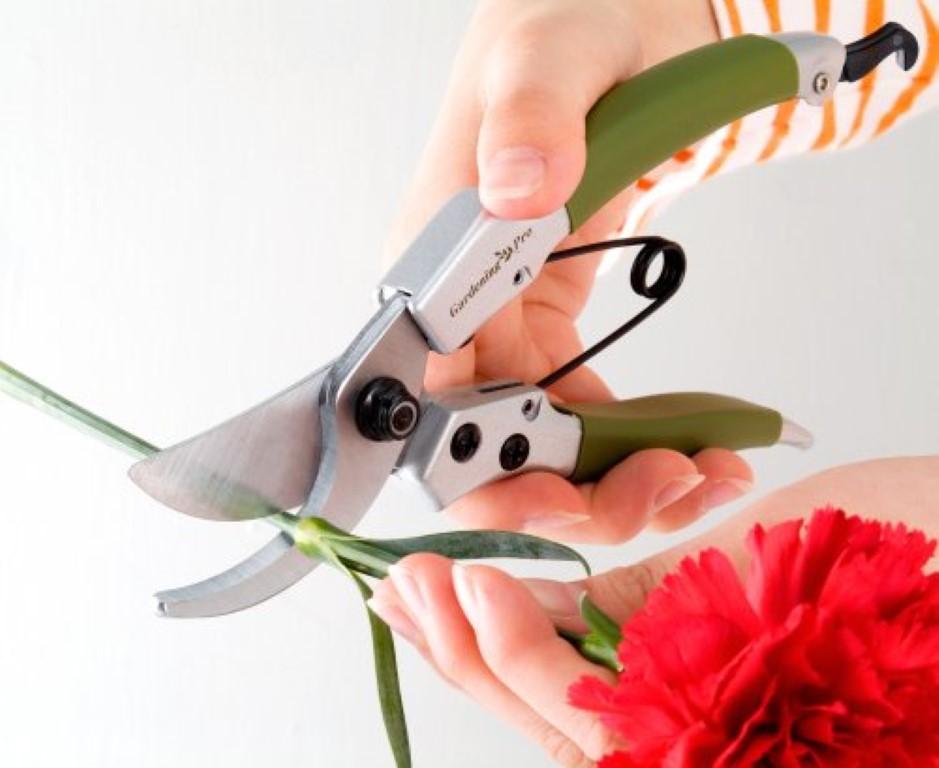 剪定鋏おすすめ5選/岡恒をはじめ、角利産業など老舗メーカーの剪定鋏をご紹介!