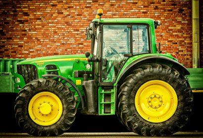 トラクターを買うなら|中古から人気モデル、必要免許をご紹介 アイキャッチ画像