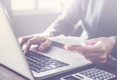 法人クレジットカードを使った事業資金調達と事業資金を安定させる方法