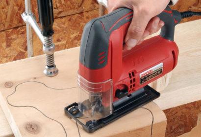 ジグソーの使い方を基本から応用までご紹介!替刃・テーブル・用途別おすすめ品も アイキャッチ画像