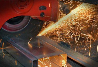 【金属切断】鉄パイプや鉄板を切断したいときに使う工具をご紹介!