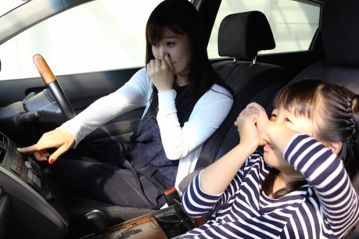 車の嫌な臭い効果的な消臭方法とは?臭い匂いもこの対策ですっきり!