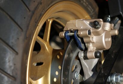 ブレーキの異音はどうしておこる?原因から対処法まで徹底解説! アイキャッチ画像