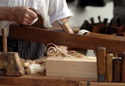DIYに使うおすすめの木材とは?その種類から特徴まで徹底解説! アイキャッチ画像