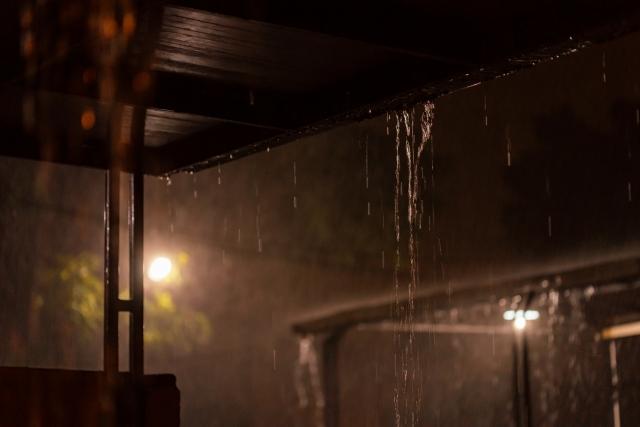 【2020年最新】住まいの台風対策まとめ!強風・大雨から住まいを守ろう!
