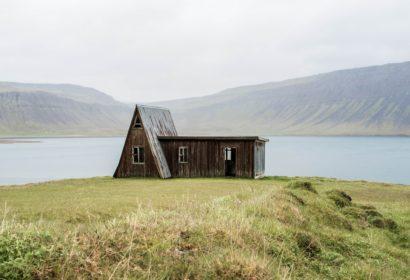 注目の小さい家「タイニーハウス」とは?間取りや価格まで詳しく解説!