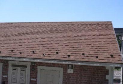 アスファルトシングルとは?屋根塗装の知識を徹底解説!