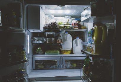 冷蔵庫の霜の原因とは?簡単な霜取り方法をご紹介!
