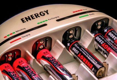 【2021】コスパ最強!人気メーカーのおすすめ充電池15選を徹底紹介! アイキャッチ画像