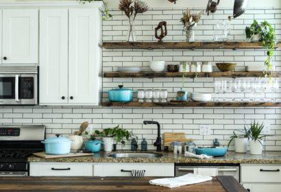 おしゃれなキッチンに!簡単キッチンカウンターのDIYアイデアを徹底紹介! アイキャッチ画像