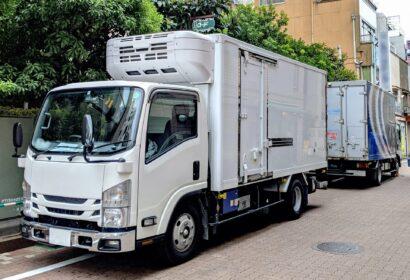 【トラック運転手】の仕事は?きついけど続けられるメリットを解説! アイキャッチ画像