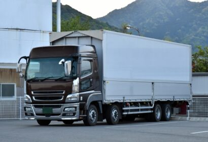 大型トラックドライバーの平均年収っていくらくらい?徹底調査! アイキャッチ画像