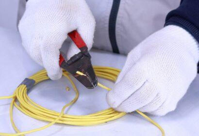 電気工事業で開業する為のノウハウを徹底解説!資格や登録方法は? アイキャッチ画像