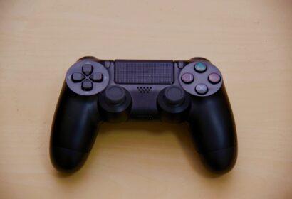 PS4コントローラーの修理依頼方法と注意点を徹底ガイド!自分でできる対処法は? アイキャッチ画像